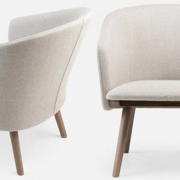 SAIA Lounge Chair By MATTHEW HILTON For De La Espada