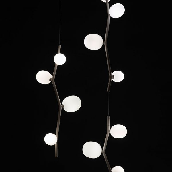 IVY VERTICAL PENDANT LIGHT by BROKIS