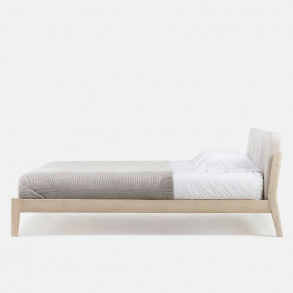 CAPO BED by NERI & HU for De La Espada