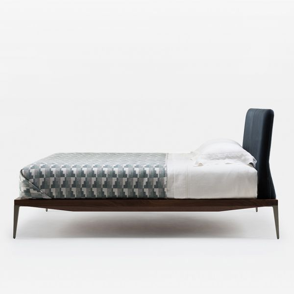 BRETTON BED by MATTHEW HILTON for De La Espada