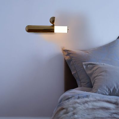 ISP WALL LIGHT BRASS