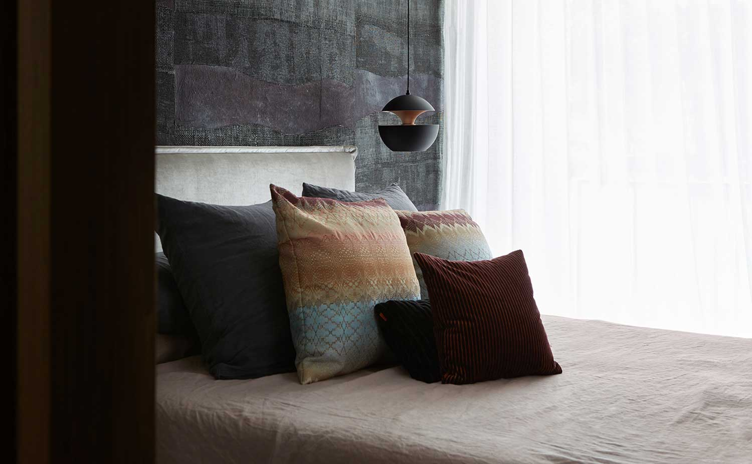 woollahra house - main bedroom - Photography Andres Ripamonti